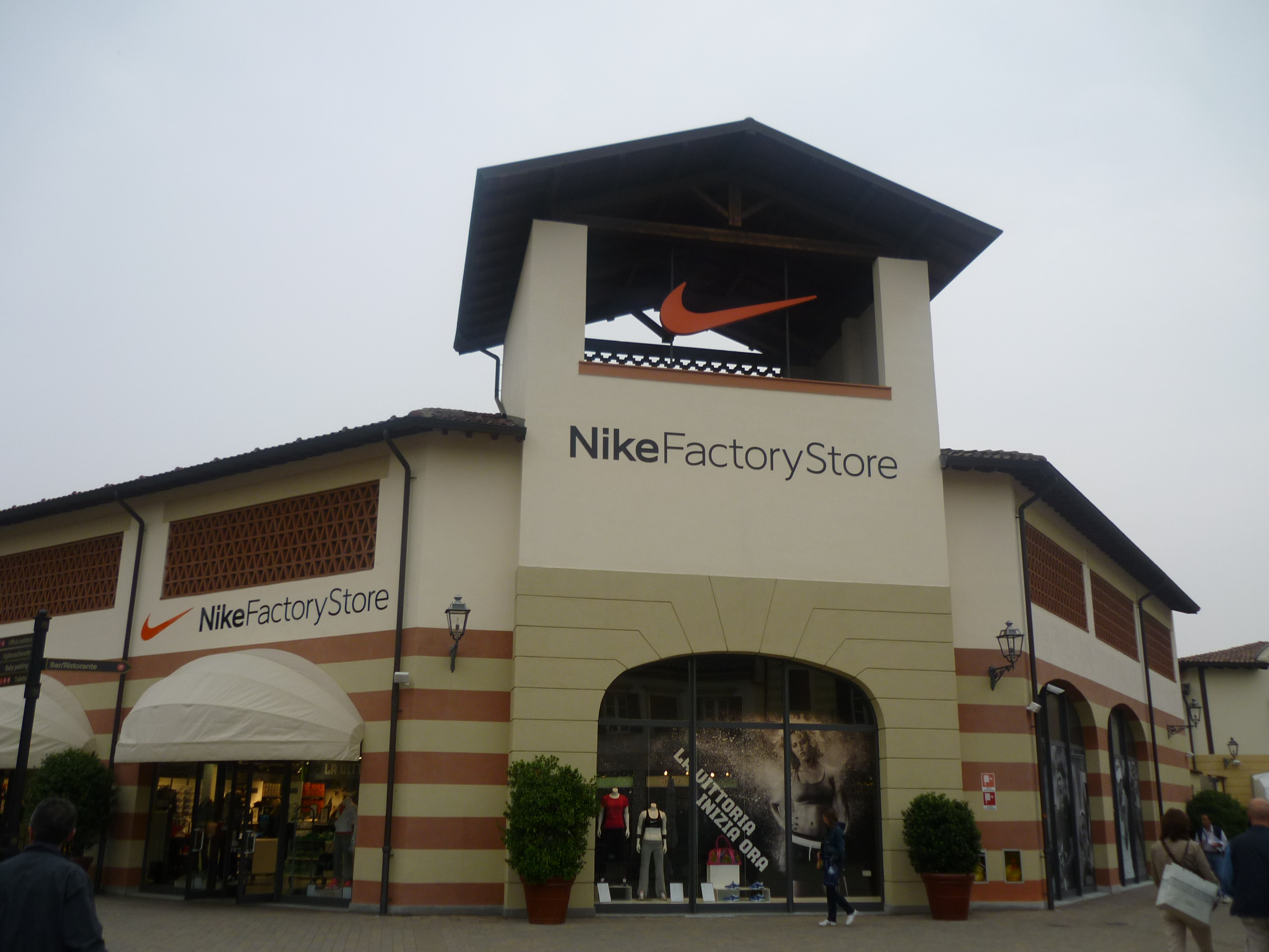 adidas factory store outlet