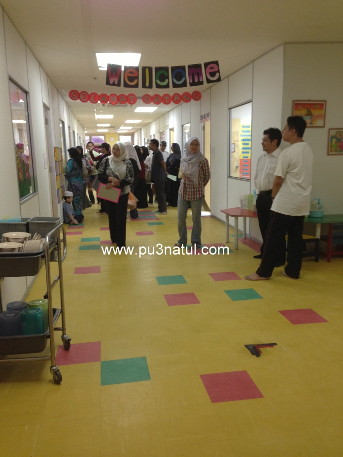 Hallway to the classrooms. Big and spacious. Gee went to inspect the toilet and it was clean and kiddie size.